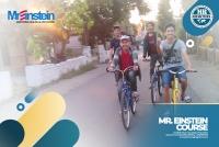 Sewa sepeda motor dan mobil di kampung inggris